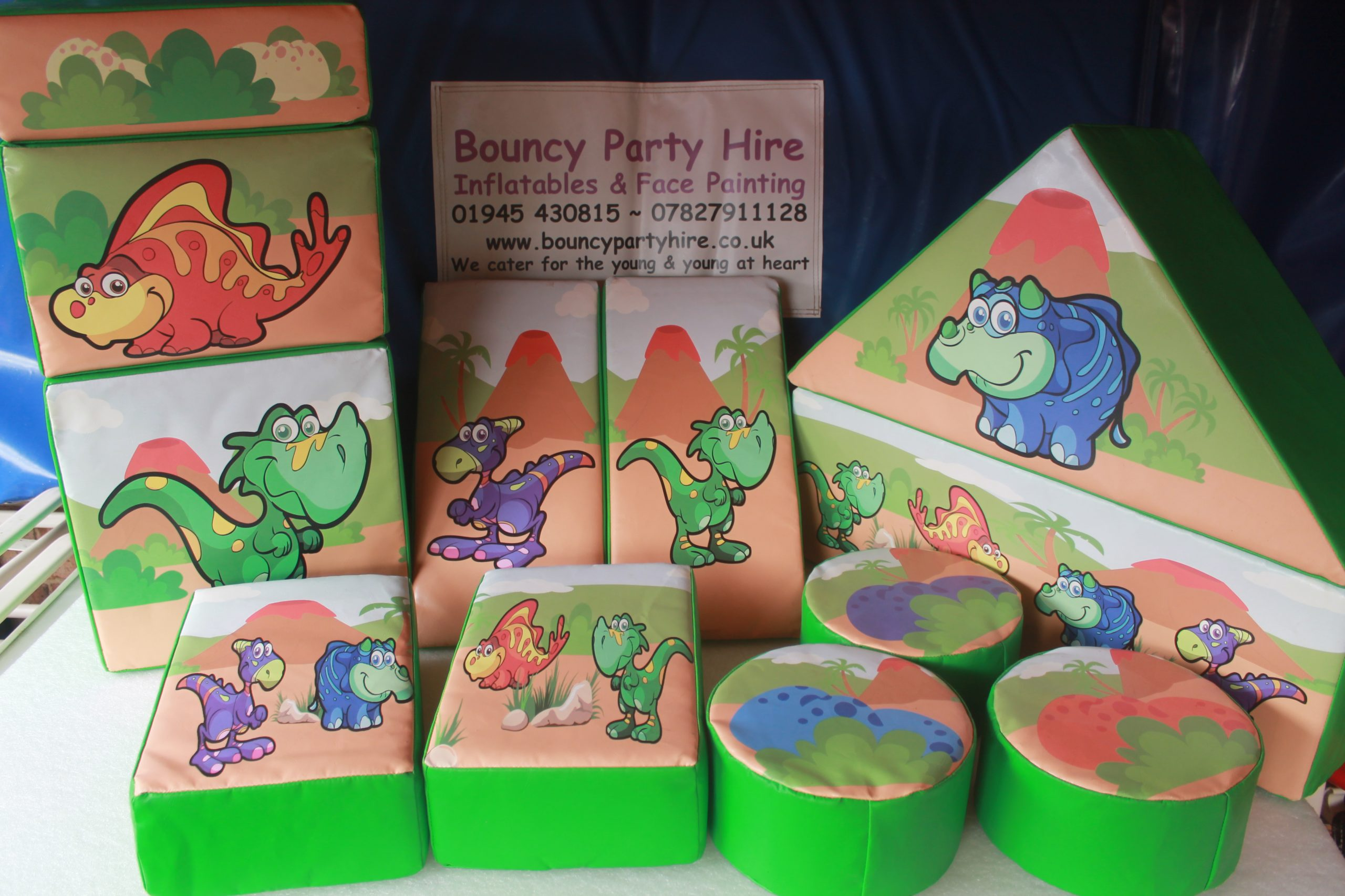Dino soft play set hire