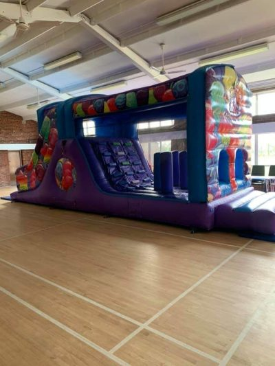 Balloons obstacle course hire